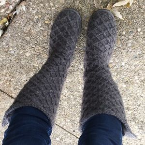 UGG Boots Gray Charcoal Knit Size 7